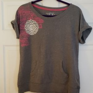 Womens short sleeve sweatshirt never worn